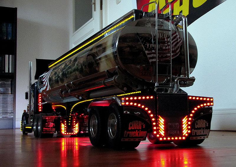 truck beleuchtung. Black Bedroom Furniture Sets. Home Design Ideas